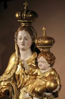 Beautiful Finely Carved and Original Gilded Madonna & Child (3 of 15)