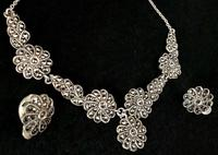 Silver & Marcasite Necklace with Matching Earrings (3 of 4)