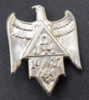1937 DJH Hitler Youth / DJ Hostel Tinnie Badge