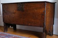 17th Century Oak Six Panel Coffer, Gouged Borders, V Cut Ends (5 of 12)