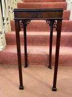 Late 18th Century Chippendale Period Solid Mahogany Urn Table (4 of 4)
