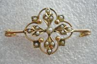 Pretty Antique Victorian 9ct Gold & Seed Pearl Brooch